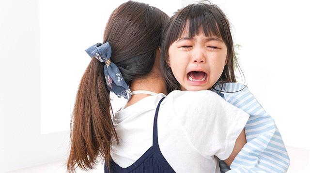 Trẻ dễ tổn thương chỉ vì hành động vô tình hầu như cha mẹ nào cũng mắc - Ảnh 2.