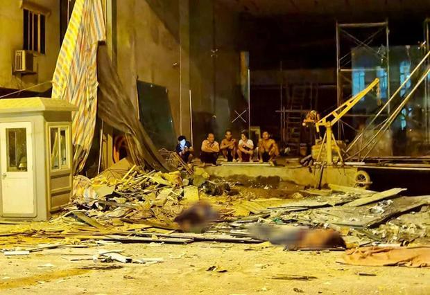 Thông tin mới gây đau lòng vụ sập thang lắp kính khiến 4 người chết ở Hà Nội - Ảnh 2.