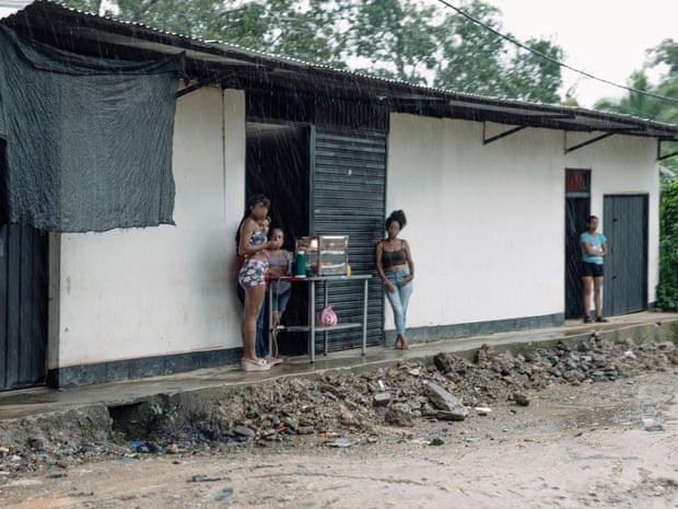 Gia đình tị nạn bán con gái vào nhà thổ với giá 1 USD - Ảnh 2.