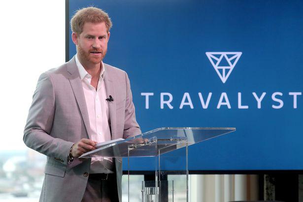 Harry lần đầu xuất hiện sau lùm xùm kể xấu hoàng gia và có lời kêu gọi khiến dư luận phẫn nộ, uy tín tuột dốc không phanh - Ảnh 2.