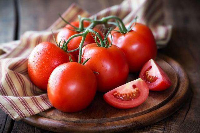 Chuyên gia khuyên ăn cà chua cùng 4 món này để ngăn chặn ung thư - Ảnh 2.