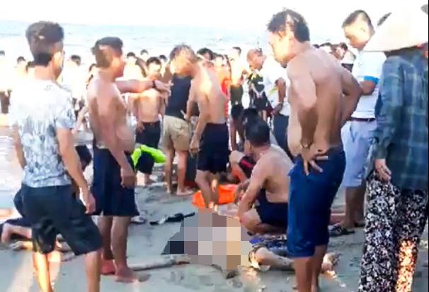 3 thanh niên đuối nước khi tắm biển - Ảnh 1.