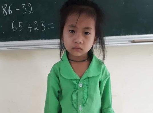 Xót xa trước bé gái 6 tuổi chỉ cao 79cm, nặng 7kg ở cao nguyên đá Hà Giang - Ảnh 4.