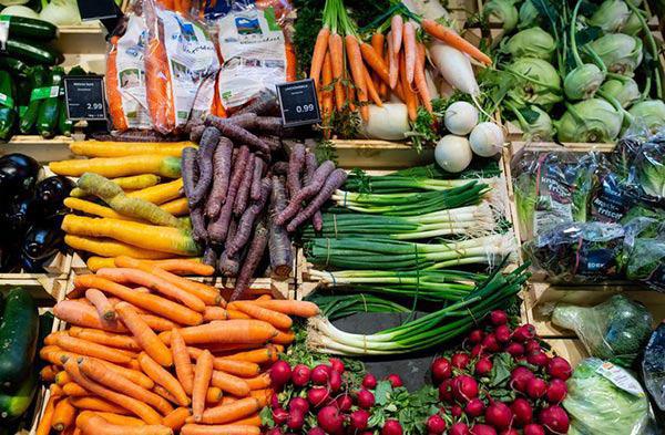 Sự thật gây sốc về độ sạch của rau quả bán ở siêu thị, chỉ nhân viên mới biết - Ảnh 2.