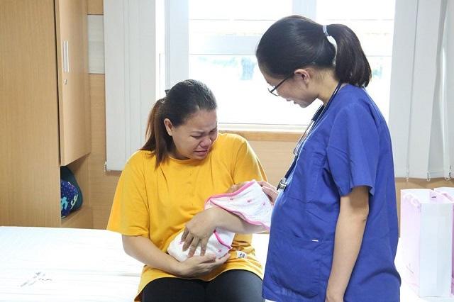 Hành trình ươm mầm sống cho các bé sinh non, nhẹ cân ở bệnh viện tuyến tỉnh - Ảnh 1.