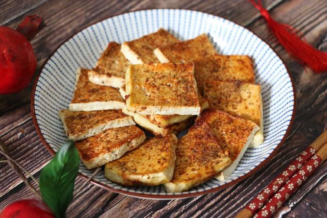 Cách cực mới để chế biến đậu phụ thành món đặc biệt ngon, vàng ươm, hấp dẫn lại rẻ tiền - Ảnh 7.