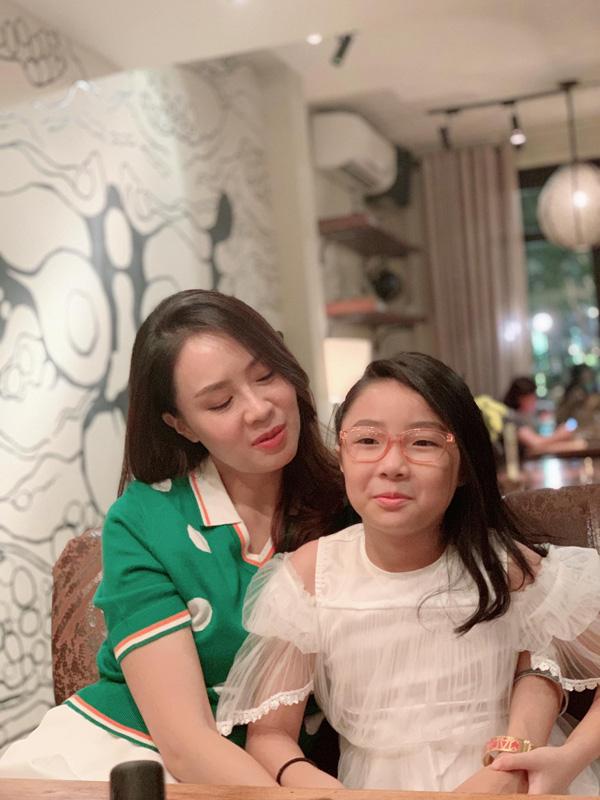 Con trai, con gái Hồng Diễm thừa hưởng nét đẹp của cả cha lẫn mẹ - Ảnh 4.