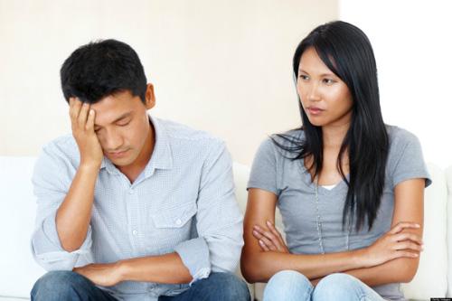 Choáng váng vì vợ trở thành người khác sau kết hôn, chồng đã hành động một cách bất ngờ - Ảnh 2.