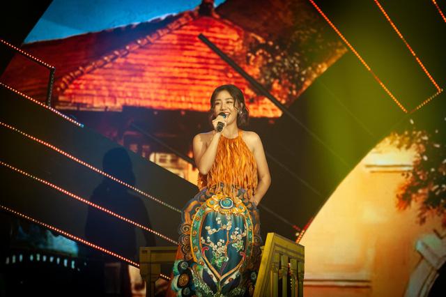 Đón Tết cùng VTV 2021: Văn Mai Hương và Hồ Trung Dũng song ca Tết đón xuân về - Ảnh 2.