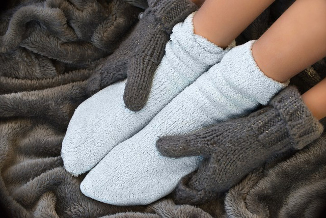 معلوم می شود که عادت پوشیدن جوراب خواب در فصل سرما به اندازه تصور شما مضر نیست - عکس 2.