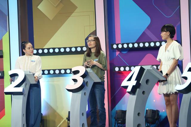 یک دانشجوی RMIT هنگام اجرای یک نمایش با میزبانی Le Duong Bao Lam - تصویر 3 آنجا را ترک کرد.