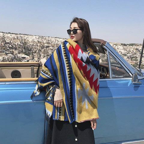 Những kiểu khăn hot nhất mùa đông 2020-2021 không thể thiếu trong tủ đồ của nàng công sở - Ảnh 5.