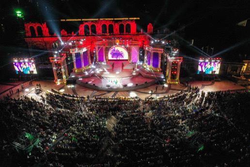 Hàng nghìn người bùng nổ trong Đại nhạc hội New Year countdown 2021 Nam Phú Quốc - Ảnh 2.