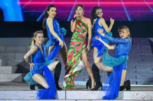 Hàng nghìn người bùng nổ trong Đại nhạc hội New Year countdown 2021 Nam Phú Quốc - Ảnh 5.