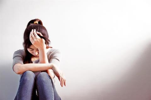 Tủi thân vì một mình gánh vác trả nợ cho chồng - Ảnh 1.