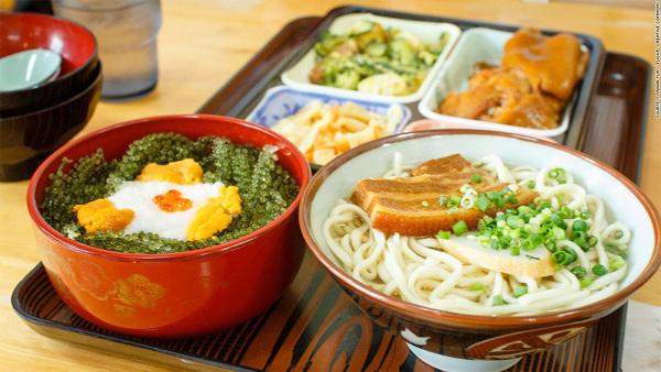 Tiết lộ chế độ ăn giúp sống lâu trên đảo trường thọ ở Nhật - Ảnh 1.