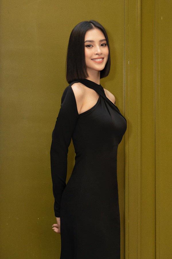 Màn đụng hàng của 4 mỹ nhân Vbiz: Hoa hậu hay nàng thơ thắng thế? - Ảnh 3.