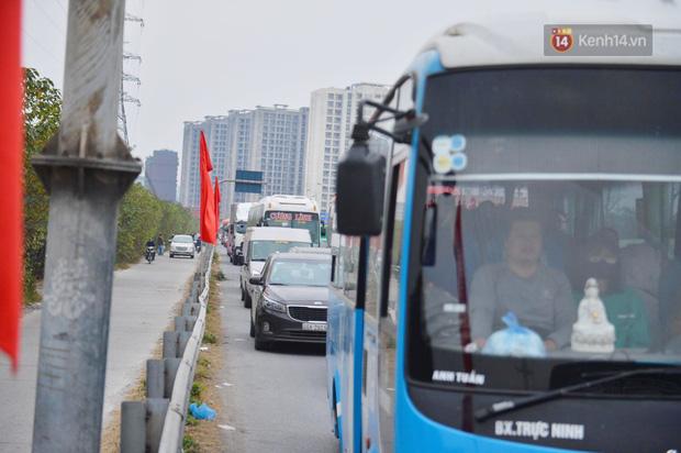 پورتال هانوی وحشتناک است ، هزاران وسیله نقلیه پس از تعطیلات سال نو به شهر باز می گردند - عکس 5.