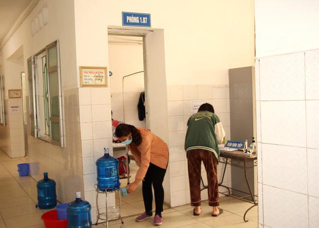 Bên trong khu điều trị cách ly tại Bệnh viện dã chiến Chí Linh - Ảnh 13.