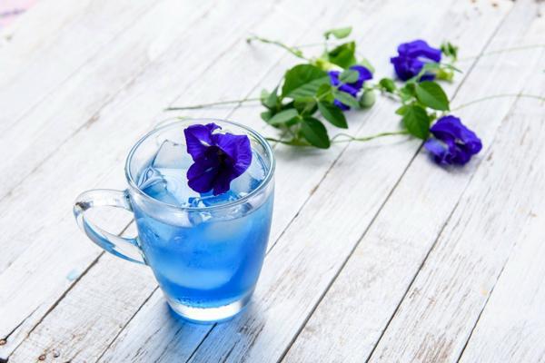 این گل نه تنها به زیبایی درخشان است ، بلکه اثرات معجزه آسای بسیاری بر سلامتی دارد - عکس 1.