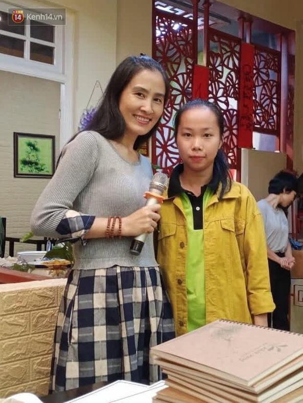 با دانشجویی آشنا شوید که بطری ها را برداشته ، ظرفها را شسته و 3 بیمار را استخدام کرده و یک میلیارد VND بورس تحصیلی دریافت کرده است - عکس 6.