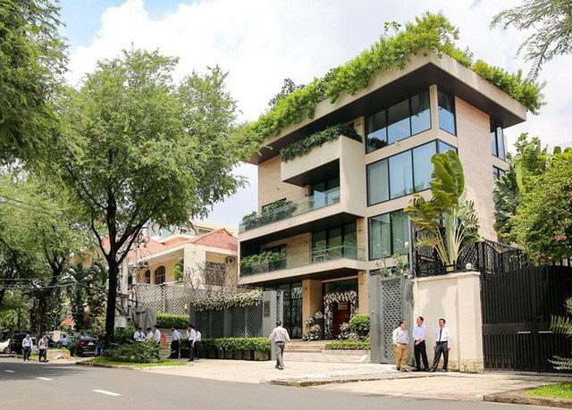 Nhìn từ ban công nhà hoa hậu Đặng Thu Thảo ai cũng thừa nhận biệt thự có view đẹp ngất ngây - Ảnh 3.