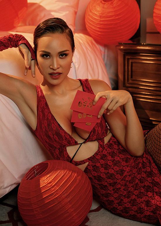 Chồng Tây khuyến khích Phương Mai mặc sexy - Ảnh 2.