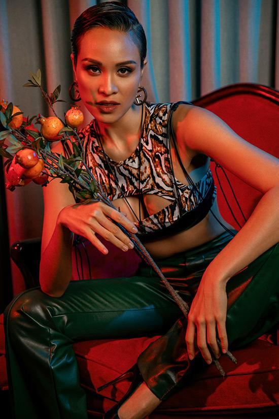 Chồng Tây khuyến khích Phương Mai mặc sexy - Ảnh 9.
