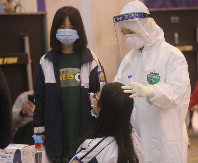 Hà Nội thêm ca mắc COVID-19, Bộ Y tế cử chuyên gia hỗ trợ Điện Biên chống dịch khi có 6 ca dương tính - Ảnh 2.
