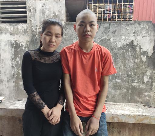 Xót xa cảnh hai chị em dân tộc Tày, người mù lòa, người mang bệnh ung thư không tiền chữa trị - Ảnh 2.