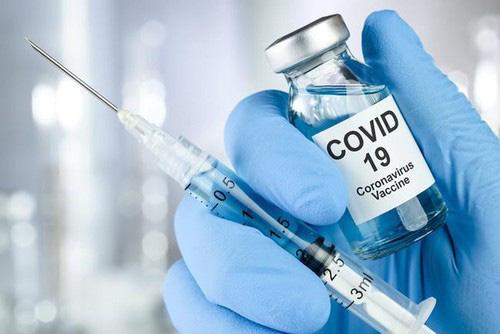 475.000 nhân viên y tế dự kiến tiêm vaccine COVID-19 ngay trong tháng 3 - Ảnh 2.