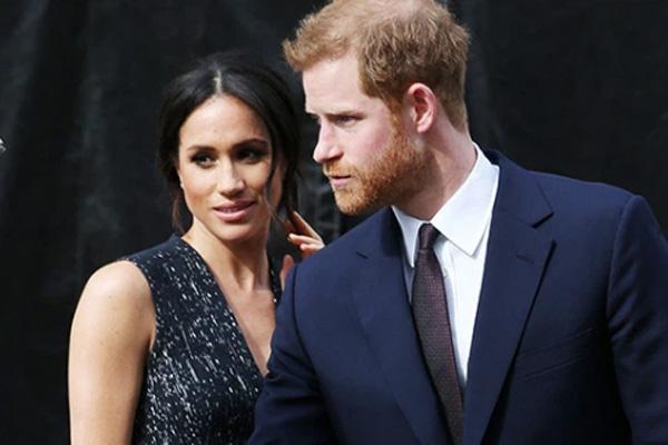 Lời đề nghị của Meghan Markle và Hoàng tử Harry khiến Nữ hoàng khó xử, dân mạng phẫn nộ - Ảnh 2.