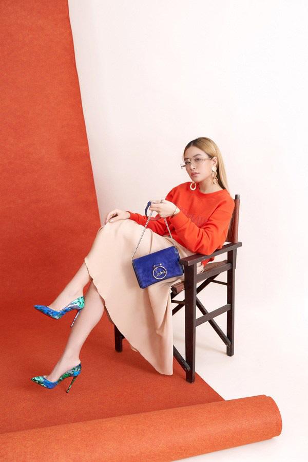 Học các người đẹp Vbiz cách phối giày tôn dáng khi diện chân váy lửng - Ảnh 11.