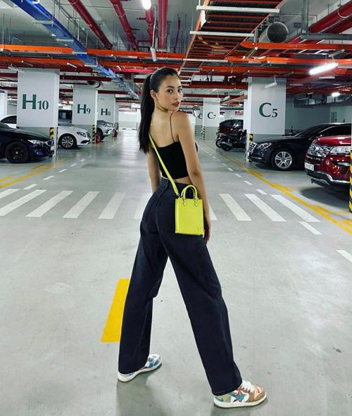 3 kiểu túi xách mới nhất khiến sao Việt mê mẩn, nàng công sở tham khảo ngay để diện hè này - Ảnh 6.