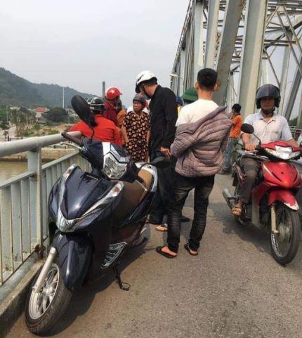 Để lại lá thư cùng xe máy, người đàn ông gieo mình xuống sông Lam - Ảnh 2.