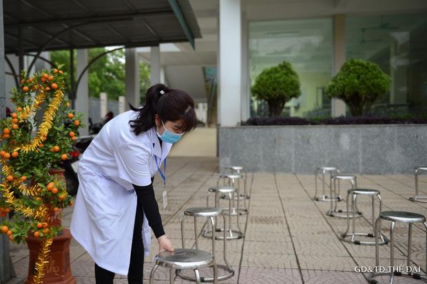 Thầy trò trường Tiểu học Xuân Phương mừng rỡ ngày đi học trở lại - Ảnh 3.