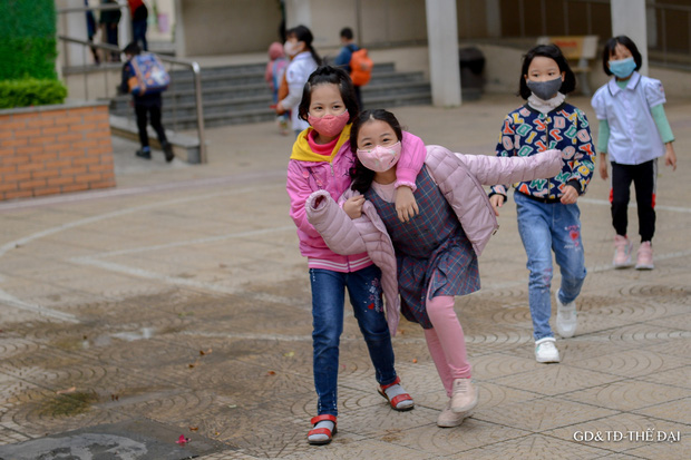 Thầy trò trường Tiểu học Xuân Phương mừng rỡ ngày đi học trở lại - Ảnh 17.