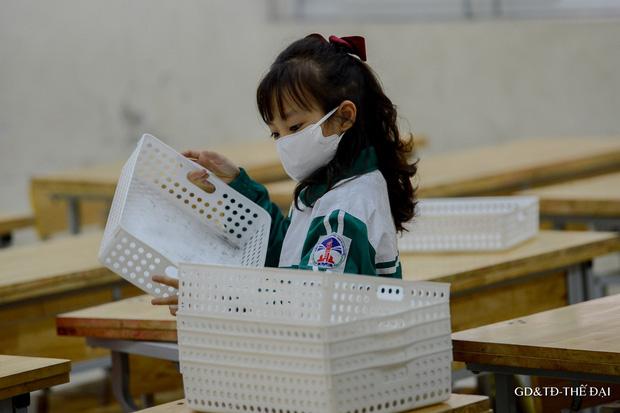Thầy trò trường Tiểu học Xuân Phương mừng rỡ ngày đi học trở lại - Ảnh 11.