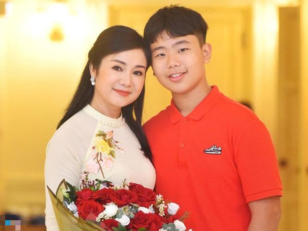 NSND Thu Hà: Tuổi 51, người đẹp xứ Tuyên khiến khán giả yêu quý vì luôn nói lời khiêm tốn - Ảnh 5.
