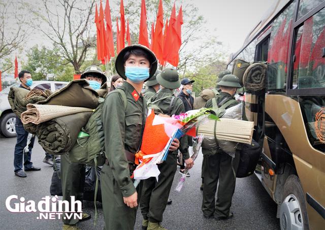 Tân binh Hải Phòng bịn rịn trong ngày nhập ngũ - Ảnh 20.