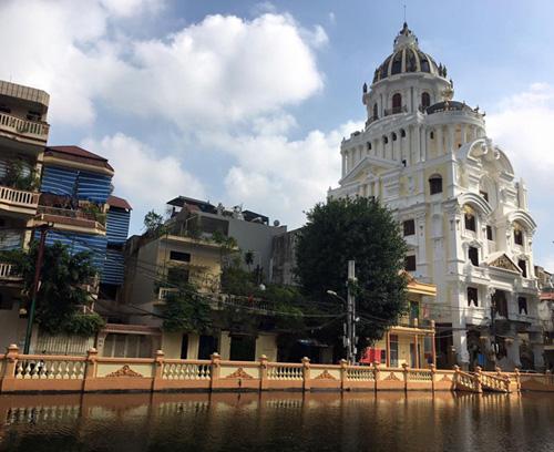 Choáng váng với nội thất dát vàng trong căn biệt thự 300 tỷ ngay trung tâm Hà Nội - Ảnh 23.