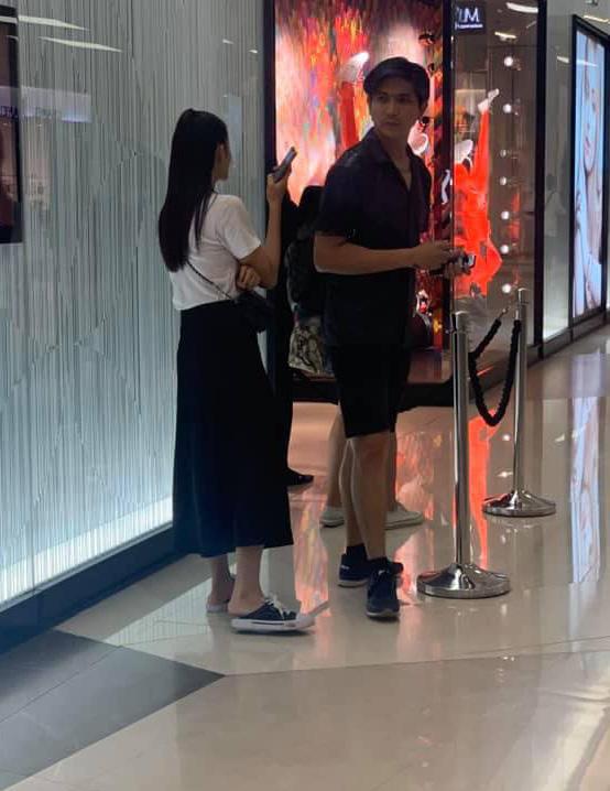 Cặp đôi khó hiểu nhất showbiz Việt: Xóa hình xăm khi ly hôn nhưng vẫn tình tứ, ở chung nhà - Ảnh 4.