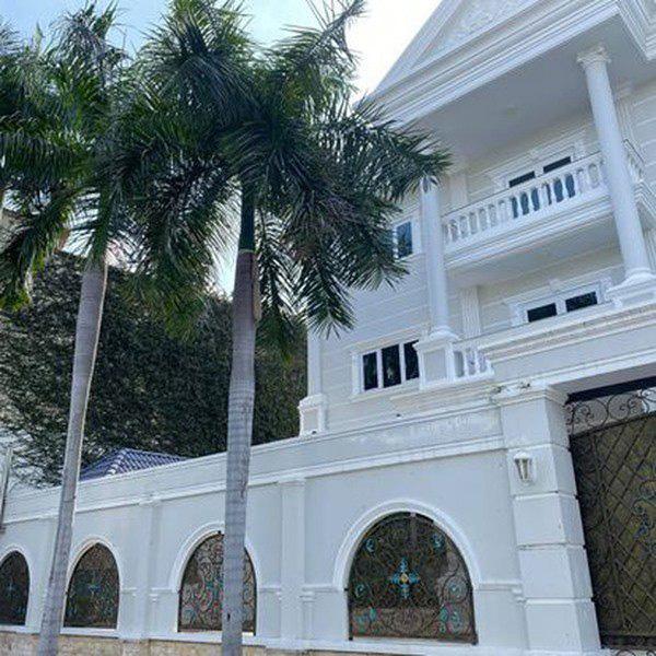 Khi vẫn còn mặn nồng với Phượng Chanel, Quách Ngọc Ngoan từng sống trong biệt thự sanh chảnh thế này - Ảnh 2.