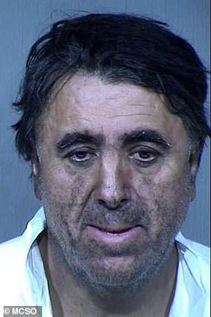 Phóng hỏa định tự tử vì thấy bế tắc, gã đàn ông chẳng ngờ tự vạch trần tội ác của vợ chồng mình với con gái nuôi 13 tuổi trên tầng gác mái - Ảnh 2.