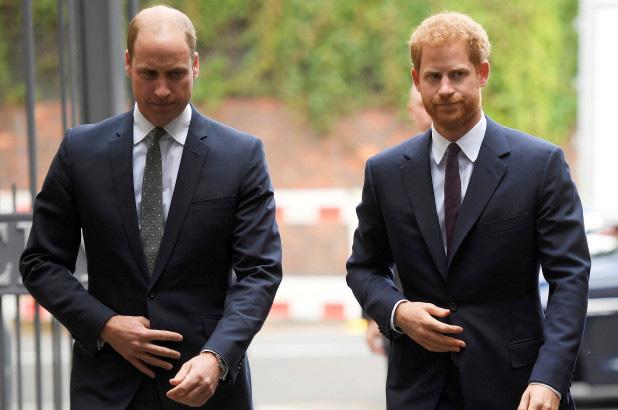 Lộ hình ảnh cho thấy Harry thấp thỏm, xa cách anh trai William khi còn ở hoàng gia khiến nhiều người đau lòng - Ảnh 3.
