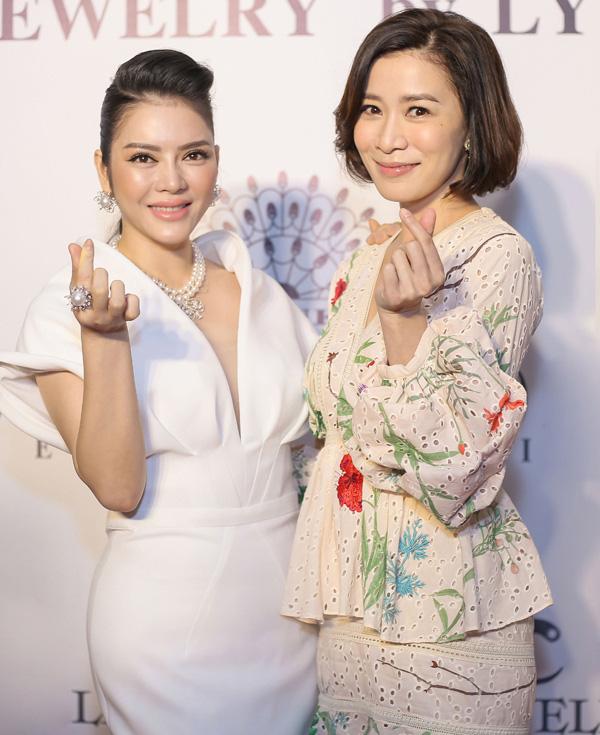 Lý Nhã Kỳ  - quý cô chơi lớn khoe tình bạn thân thiết với Thành Long, Phạm Băng Băng, Xa Thi Mạn - Ảnh 7.