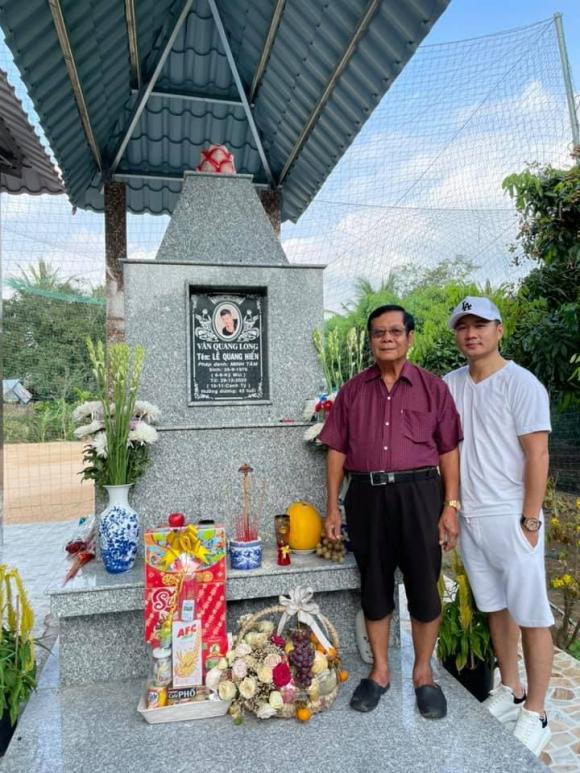 Lâm Vũ về tận quê thăm mộ Vân Quang Long tròn 100 ngày mất - Ảnh 2.