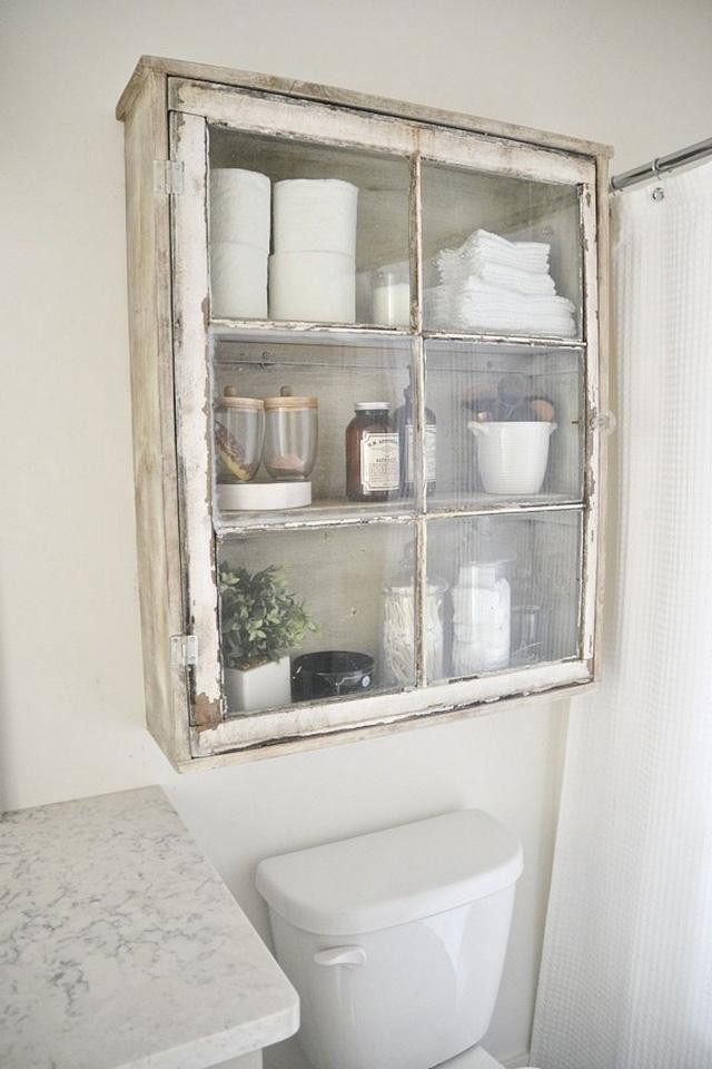 Sáng tạo với khung cửa sổ cũ để trang trí và lưu trữ chất lừ - Ảnh 4.