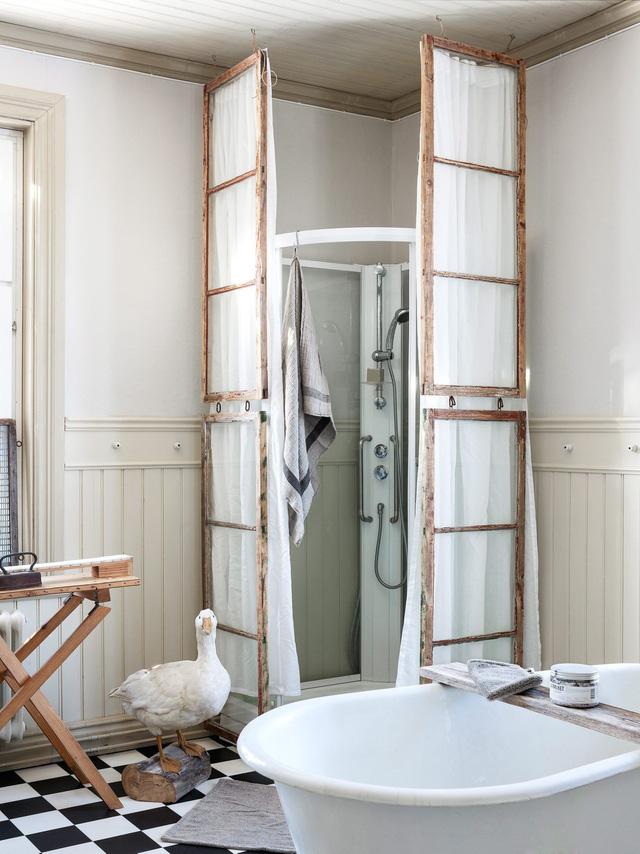 Sáng tạo với khung cửa sổ cũ để trang trí và lưu trữ chất lừ - Ảnh 8.