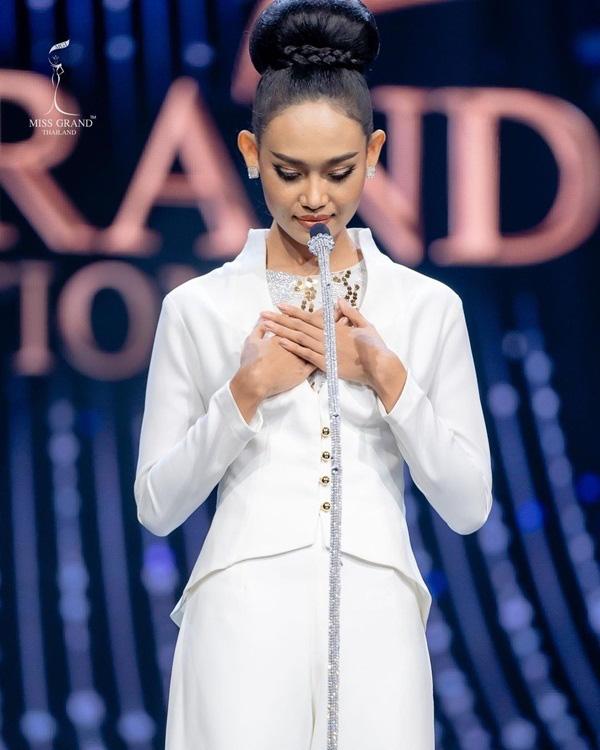 Nhan sắc Hoa hậu Hòa bình Myanmar bị truy nã - Ảnh 3.